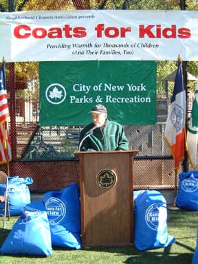 Commissioner Stern speaks to kids at J. J. Walker Park in Manhattan