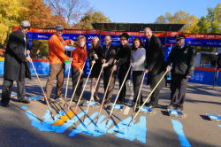 Commissioner Benepe joined City officials and ING NYC Marathon sponsors to paint the race's blue finish line in Central Park on Wednesday.