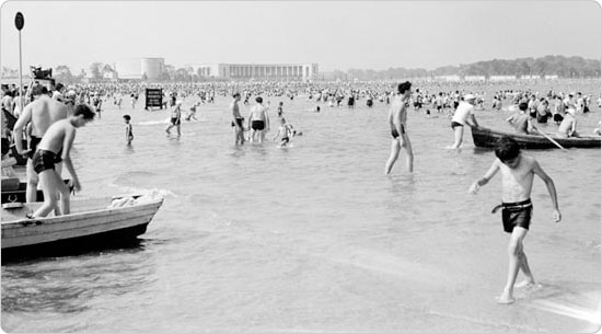 Orchard Beach, Bronx, 1939. Courtesy of Parks Photo Archive, Neg. 16024.