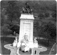 Bird?s eye view of the Maine Monument in Central Park, September 28, 1934. Courtesy of Parks Department Photo Archive, Neg. 4097.