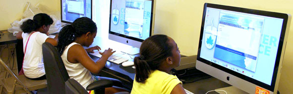 Kids using computers in a CRC