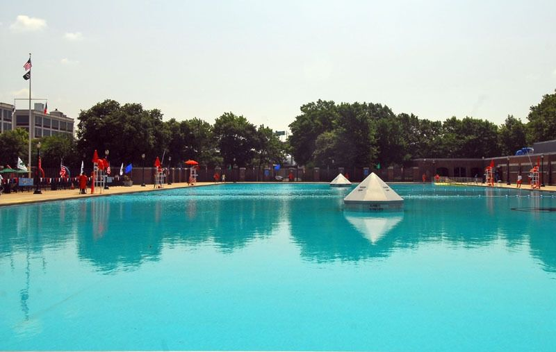 Red hook recreation area outdoor pools nyc parks for Garden city pool hours