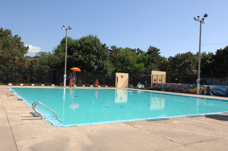 Claremont Park Outdoor Pools Nyc Parks