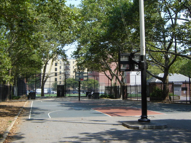 Baruch Playground Basketball Courts : NYC Parks