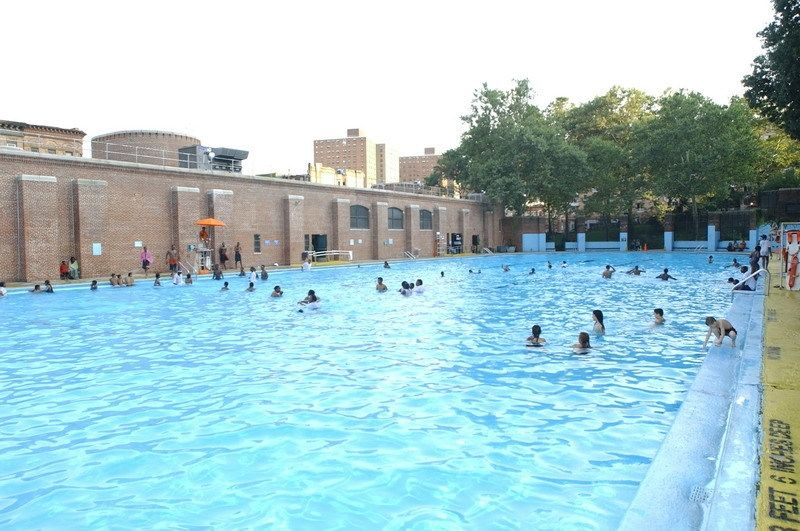 Jackie robinson park outdoor pools nyc parks - Free public swimming pools near me ...