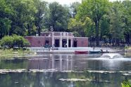The nature center, viewed from across Indian Lake