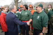 Mayor Bloomberg Thanks Park Workers