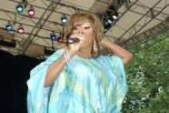 Patti LaBelle sings