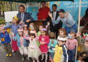 Pre-school children from St. Vartan Play Group perform