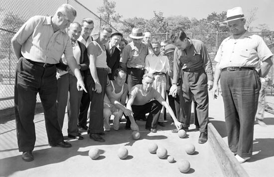 Men gather on the Crotona Park bocce courts, September 18, 1941. Courtesy of 