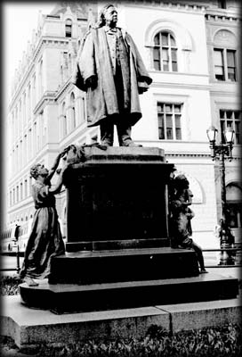 Photo of Henry Ward Beecher Statue in Columbus Park