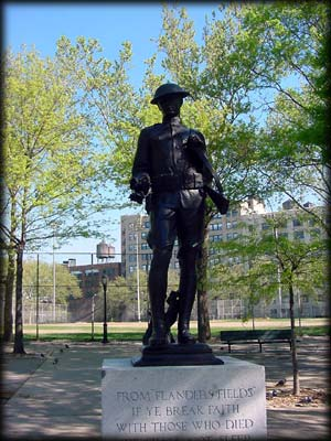 Photo of Clinton War Memorial in DeWitt Clinton Park