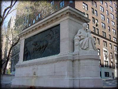 Photo of Firemens Memorial in Riverside Park