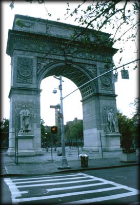 Photo of the Washington Square Arch in Washington Square Park, Manhattan