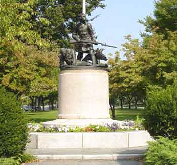 photo of the bronx victory memorial on mosholu parkway