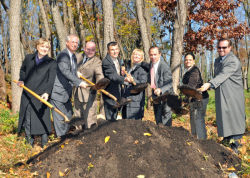Commissioner Benepe joined elected officials to break ground on two new parks in Staten Island last week.