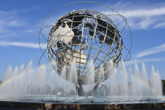 Image of Unisphere and Fountain