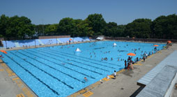 Work Out Like A Triathlete Where To Swim Bike And Run Nyc Parks