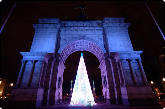 An illuminated Grand Army Plaza in Brooklyn, 2007. Photo by Malcolm Pinckney.