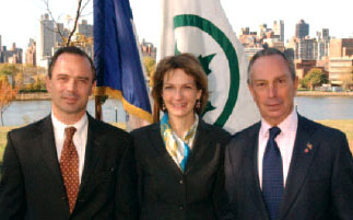 Left: Parks Commissioner Adrian Benepe, Middle: First Deputy Mayor Patricia E. Harris, and Right: Mayor Michael R. Bloomberg