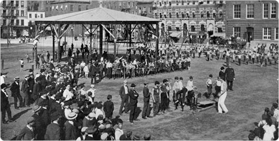 An outdoor gymnasium at Hamilton Fish Park in Manhattan, circa 1902. Source: Parks Department Annual Report.
