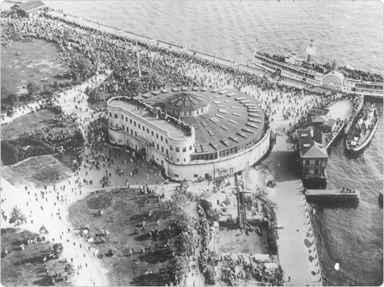 May 31, 1934 aerial image of the New York Aquarium during a Navy visit to New York City.