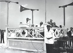 Mayor La Guardia speaks at Orchard Beach. Links to anlarged photo.