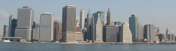 View of Manhattan skyline from Brooklyn Bridge Park