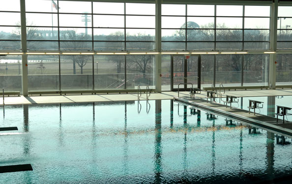 Best of new york city 39 s recreation centers nyc parks for Flushing meadows swimming pool