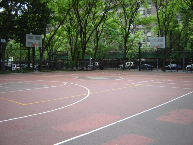 Bellevue south park nyc parks for Cheapest way to make a basketball court