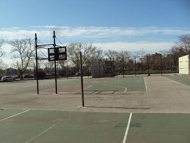 East River Playground Basketball Courts : NYC Parks