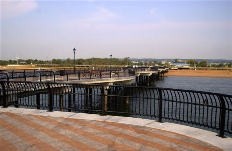 Franklin d roosevelt boardwalk and beach nyc parks for Staten island fishing