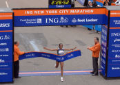 First place women's runner, Ethiopian Derartu Tulu