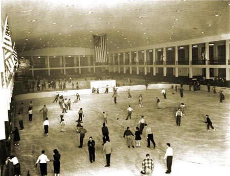 4c2fb8e0027 History of Ice Skating History in NYC Parks   NYC Parks
