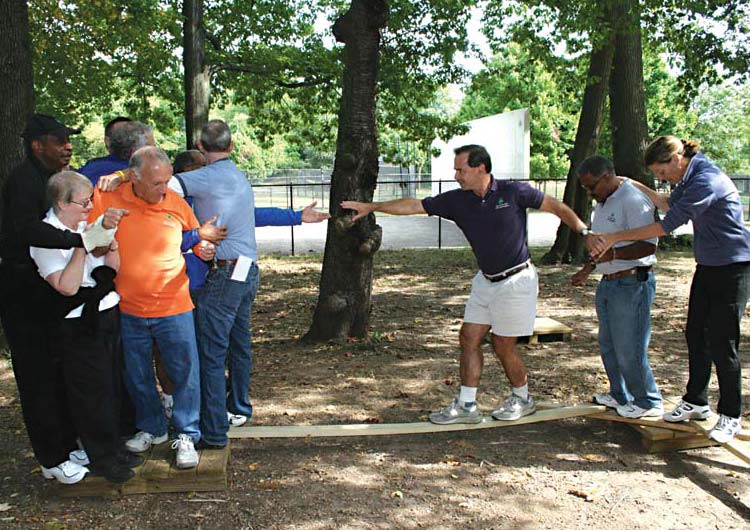 Short Team Building Exercises For Large Groups
